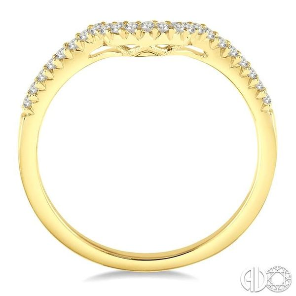 1/6 ctw Deep Curve Center Round Cut Diamond Wedding Band in 14K Yellow Gold Image 3 Becker's Jewelers Burlington, IA