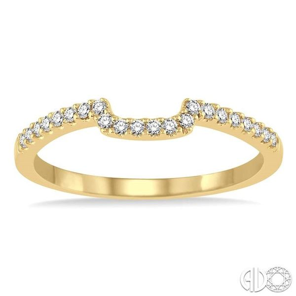 1/6 Ctw Round Cut Diamond Wedding Band in 14K Yellow Gold Image 2 Becker's Jewelers Burlington, IA