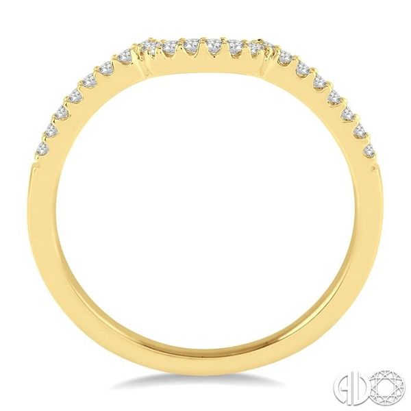 1/6 Ctw Round Cut Diamond Wedding Band in 14K Yellow Gold Image 3 Becker's Jewelers Burlington, IA
