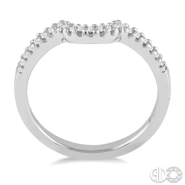 1/6 Ctw Round Cut Diamond Wedding Band in 14K White Gold Image 3 Becker's Jewelers Burlington, IA