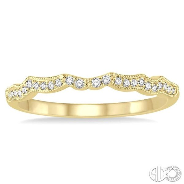 1/10 Ctw Round Cut Diamond Wedding Band in 14K Yellow Gold Image 2 Becker's Jewelers Burlington, IA