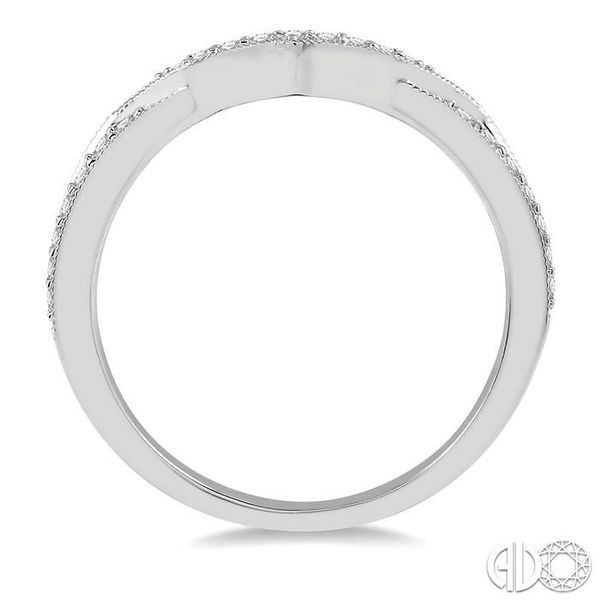 1/6 Ctw Arched Center Round Cut Diamond Wedding Band in 14K White Gold Image 3 Becker's Jewelers Burlington, IA