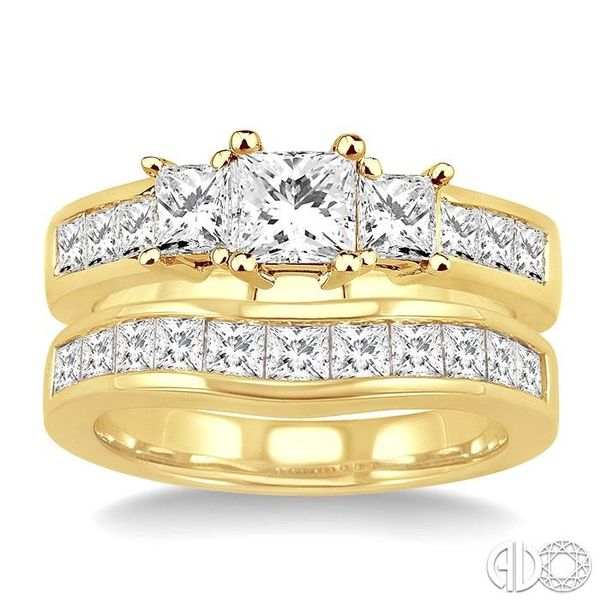 2 1/2 Ctw Diamond Wedding Set with 1 1/2 Ctw Princess Cut Engagement Ring and 1 Ctw Wedding Band in 14K Yellow Gold Image 2 Becker's Jewelers Burlington, IA