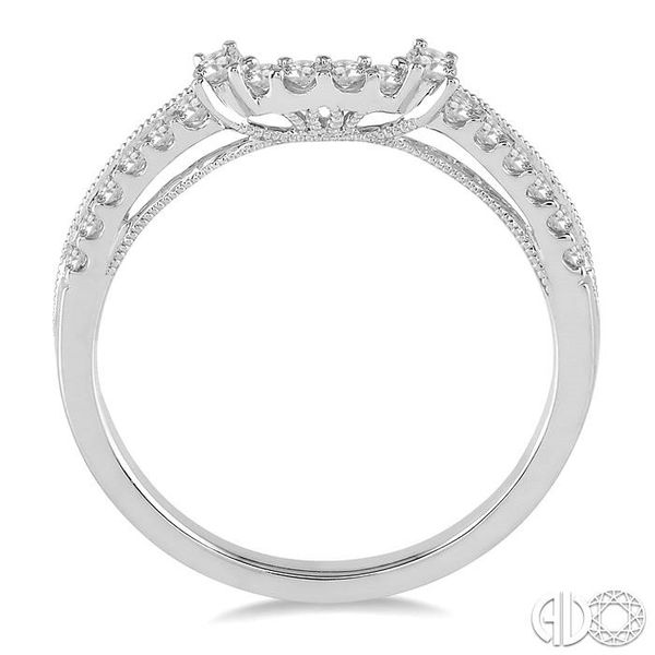 1/4 Ctw Round Cut Diamond Wedding Band in 14K White Gold Image 3 Becker's Jewelers Burlington, IA