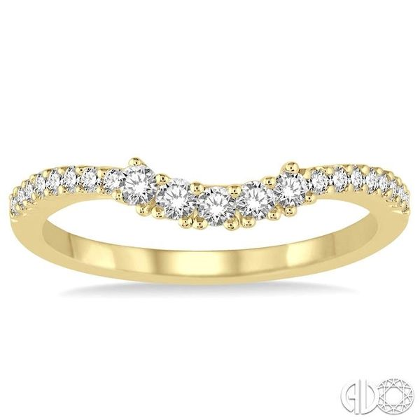 1/3 Ctw Round Diamond Wedding Band in 14K Yellow Gold Image 2 Becker's Jewelers Burlington, IA