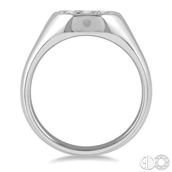1/2 ctw Oval Shape Lovebright Diamond Ring in 14K White Gold Image 3 Becker's Jewelers Burlington, IA
