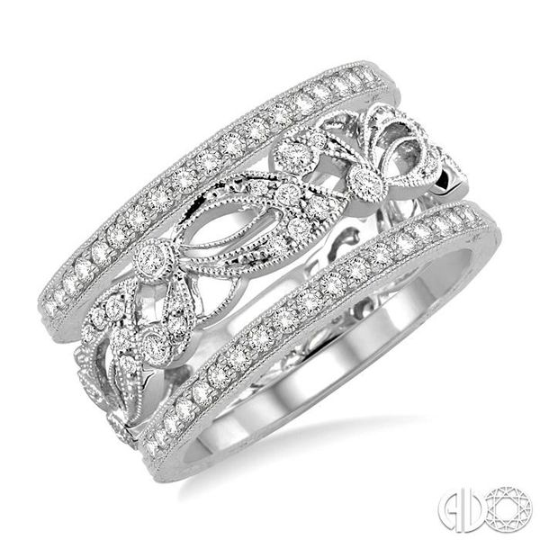 1/2 Ctw Round Cut Diamond Triple Band Set in 14K white Gold Becker's Jewelers Burlington, IA