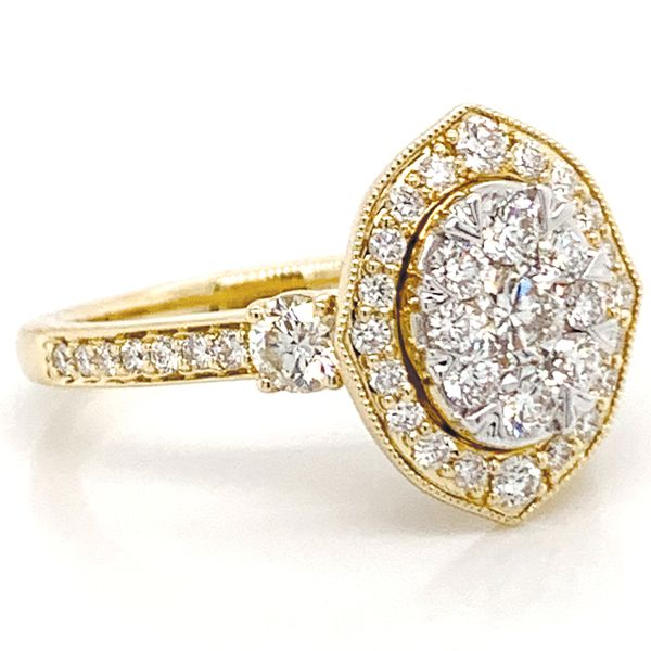 Vintage Halo Diamond Cluster Ring in Yellow Gold (1.25 ctw) Image 3 Bremer Jewelry Peoria, IL
