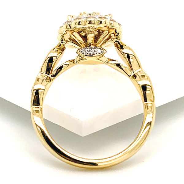 Pear Halo Diamond Cluster Ring in Yellow Gold (1.00 ctw) Image 4 Bremer Jewelry Peoria, IL