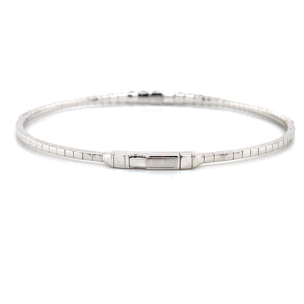 Graduated Diamond Bangle Bracelet in White Gold (1.50 ctw) Image 3 Bremer Jewelry Peoria, IL
