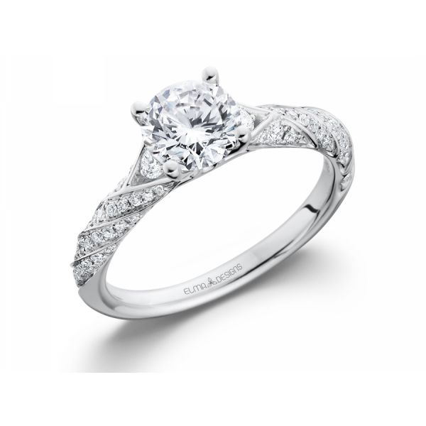 18k white gold engagement ring set with 0.26 carats of diamonds (excluding center stone)