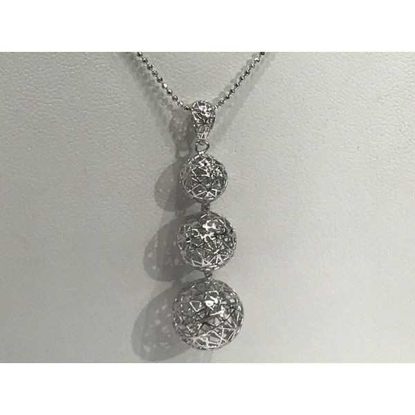 Sterling Silver Round Puff 3D Necklace Image 3 Confer's Jewelers Bellefonte, PA