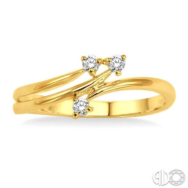 1/10 Ctw Round Cut Diamond Ring in 10K Yellow Gold Image 2 Coughlin Jewelers St. Clair, MI