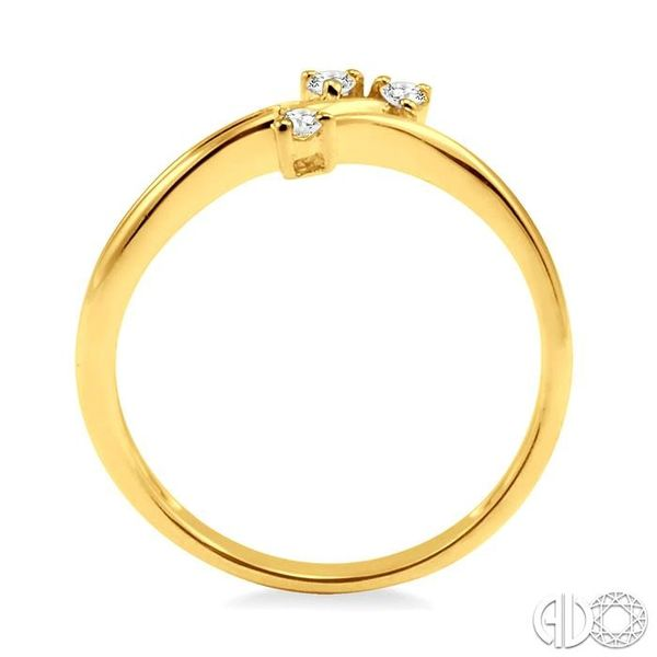 1/10 Ctw Round Cut Diamond Ring in 10K Yellow Gold Image 3 Coughlin Jewelers St. Clair, MI