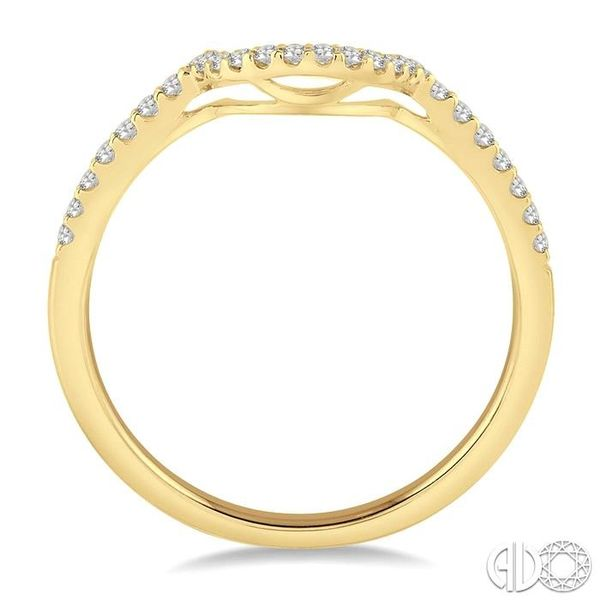 1/5 Ctw Round Cut Diamond Wedding Band in 14K Yellow Gold Image 3 Coughlin Jewelers St. Clair, MI