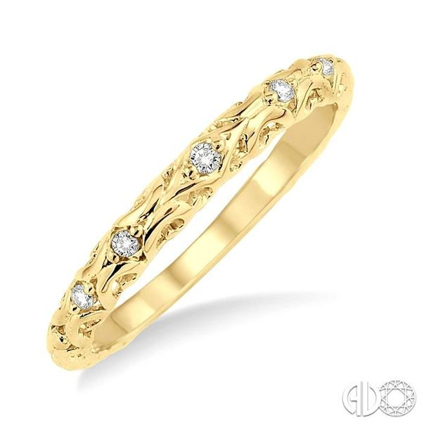 1/20 Ctw Round Cut Diamond Wedding Band in 14K Yellow Gold Coughlin Jewelers St. Clair, MI