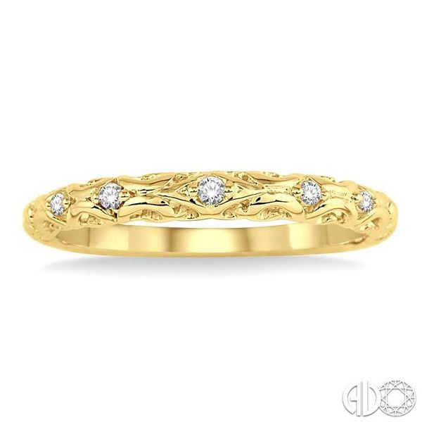 1/20 Ctw Round Cut Diamond Wedding Band in 14K Yellow Gold Image 2 Coughlin Jewelers St. Clair, MI