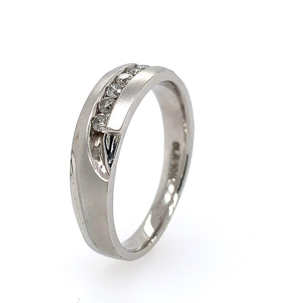 Men's 14k White Gold Diamond Wedding Band Image 3 Arezzo Jewelers Chicago, IL