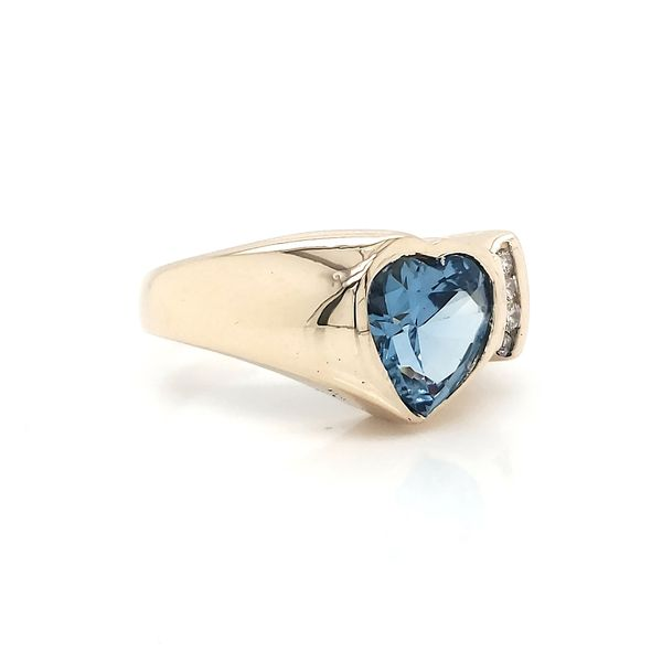 Aqua Heart 14k Yellow Gold Ring Image 2 Arezzo Jewelers Chicago, IL