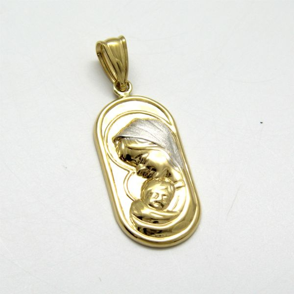 14k Yellow Gold Mother & Child Medal Image 2 Arezzo Jewelers Chicago, IL