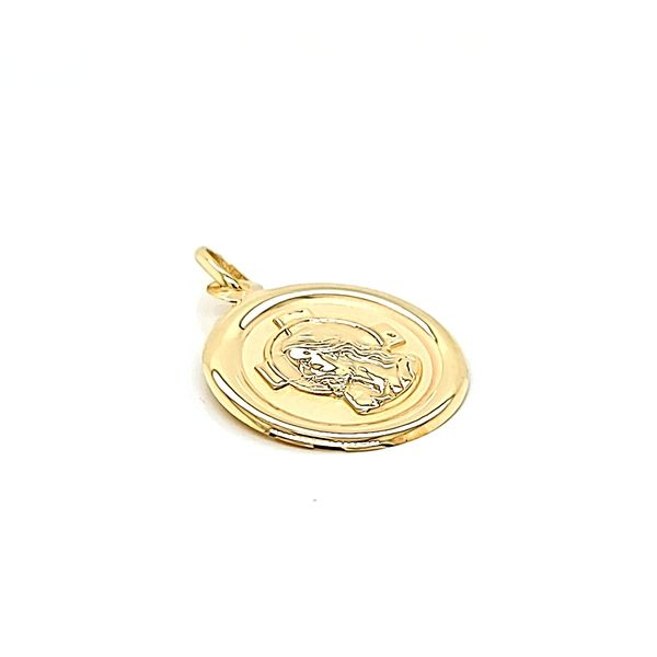 14k Yellow Gold Circle Jesus Christ Medal Image 2 Arezzo Jewelers Chicago, IL