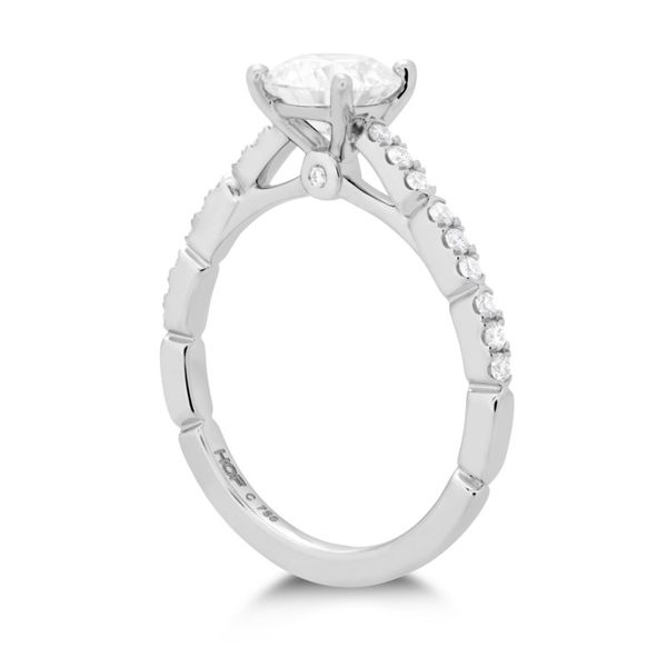 Hearts on Fire Cali Chic Engagement Ring Image 2 Becky Beauchine Kulka Diamonds and Fine Jewelry Okemos, MI