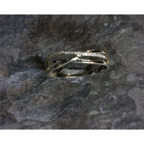 14 Karat Yellow Gold Diamond Ring Image 4 Bluestone Jewelry Tahoe City, CA