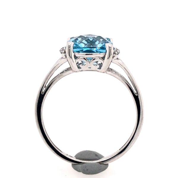 14 Karat White Gold Ring with Blue Topaz and Diamonds- Size 7.5 Image 4 Bluestone Jewelry Tahoe City, CA