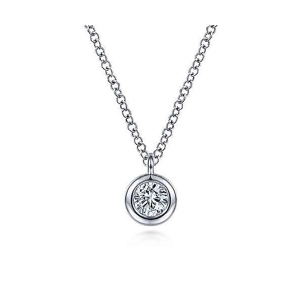 Round Bezel Set Diamond Pendant Necklace Carter's Jewelry, Inc. Petal, MS