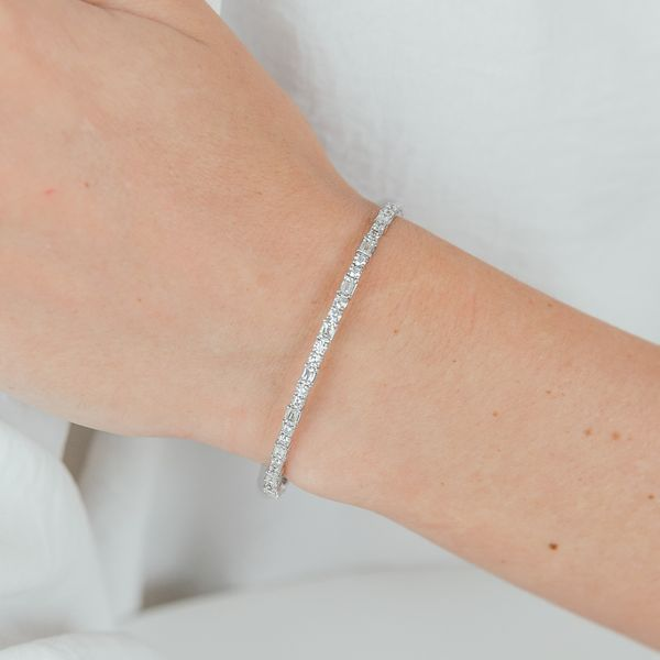 Christopher Designs Crisscut Cushion Alternating Diamond Flex Bangle Carter's Jewelry, Inc. Petal, MS