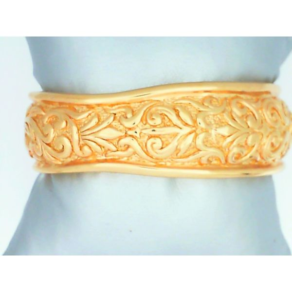 14K Yellow Gold Embossed Cuff Bracelet Image 2 Chipper's Jewelry Bonney Lake, WA