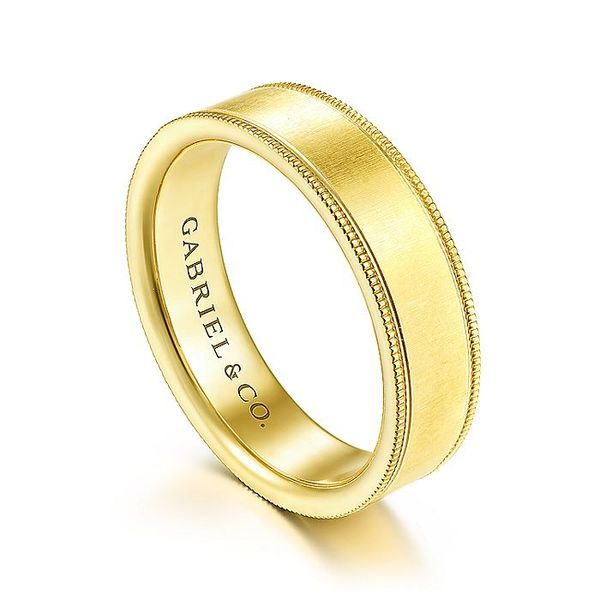 Gabriel & Co Yellow Gold Sandblast & Milgrain Men's Wedding Ring Image 3 David Scott Fine Jewelry Panama City Beach, FL