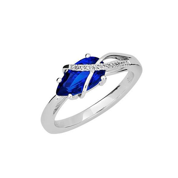 Chatham Blue Sapphire Ring E.M. Family Smith Jewelers Chillicothe, OH