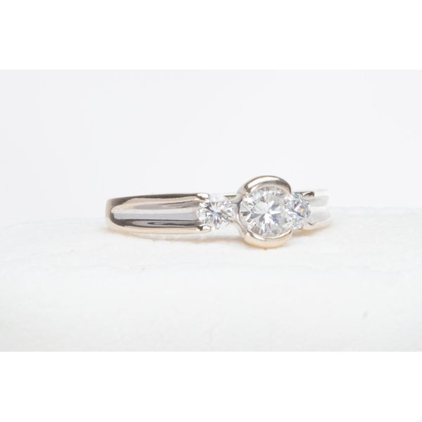 Certified Pre-Owned Diamond Ring E.M. Smith Jewelers Chillicothe, OH
