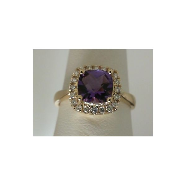 AMETHYST RING Erickson Jewelers Iron Mountain, MI