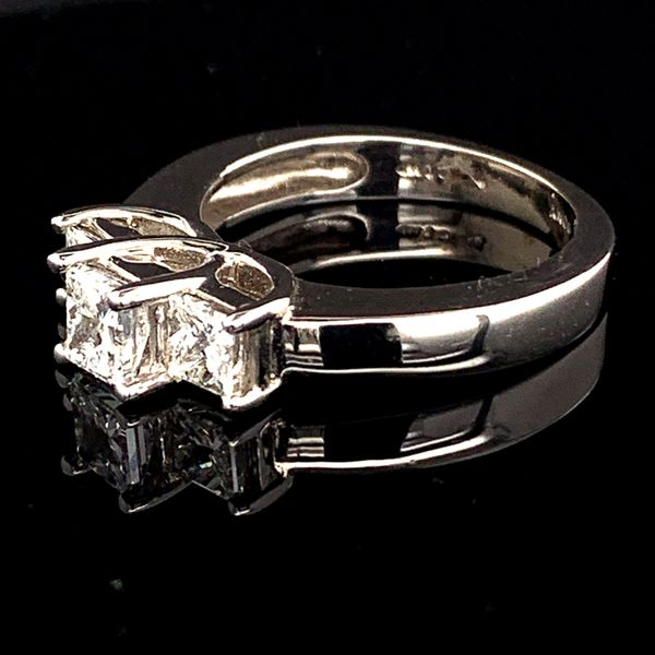 Princess Cut Diamond 3-Stone Ring Image 2 Gerald's Jewelry Oak Harbor, WA