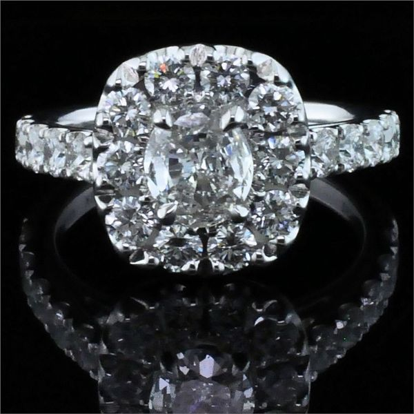 Henri Daussi Diamond Engagement Ring Gerald's Jewelry Oak Harbor, WA