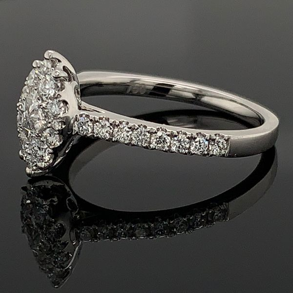 18K White Gold and Diamond Engagement Ring Image 2 Gerald's Jewelry Oak Harbor, WA