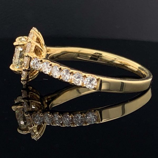 18K Yellow Gold And Diamond Halo Engagement Ring Image 2 Gerald's Jewelry Oak Harbor, WA