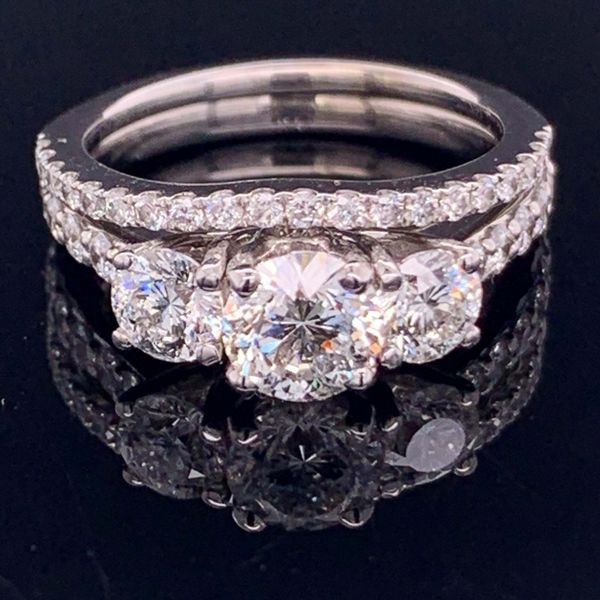 Diamond Engagement and Wedding Ring Set Gerald's Jewelry Oak Harbor, WA