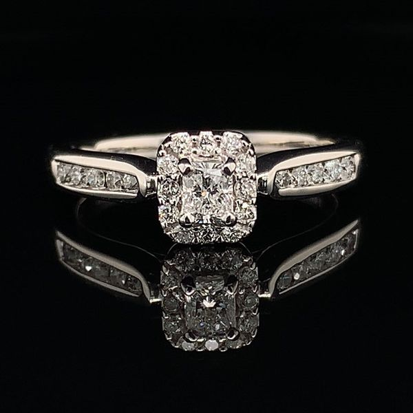 Radiant Cut Diamond Engagement Ring Gerald's Jewelry Oak Harbor, WA