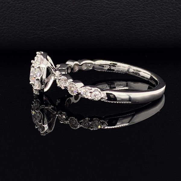 Ladies White Gold And Diamond Round Halo Engagement Ring Image 2 Gerald's Jewelry Oak Harbor, WA