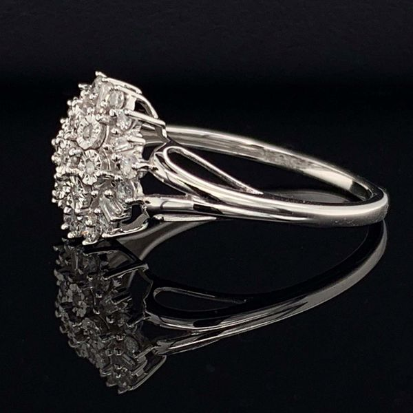 10K White Gold And Diamond Ladies Cluster Fashion Ring Image 2 Gerald's Jewelry Oak Harbor, WA