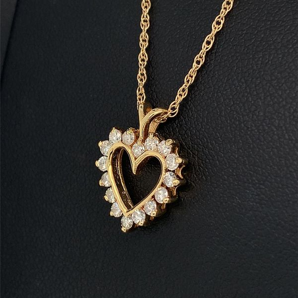 Diamond Heart Pendant Image 2 Geralds Jewelry Oak Harbor, WA