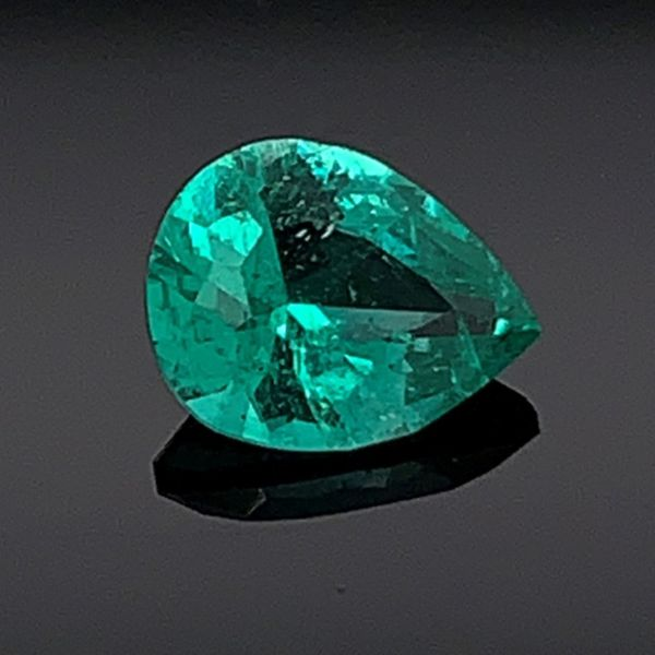 .42Ct Natural Pear Shape Emerald Gerald's Jewelry Oak Harbor, WA