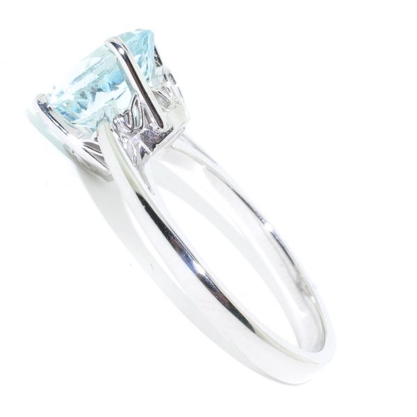 10KT White Gold 1.63CT Aquamarine Ring. Image 2 Graziella Fine Jewellery Oshawa, ON