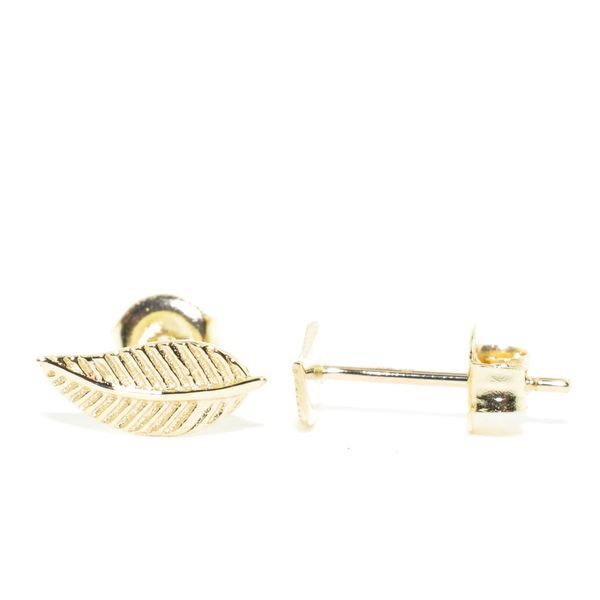 Belle & Jules 10KT Yellow Gold Leaf Stud Earrings. Graziella Fine Jewellery Oshawa, ON
