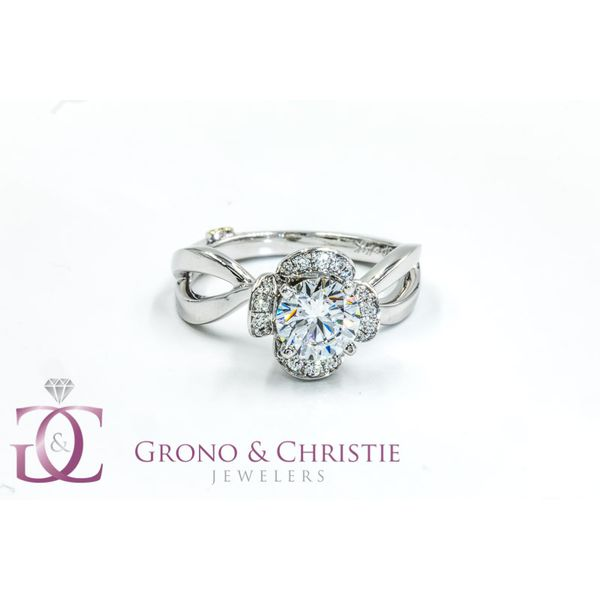 Engagement Ring Grono and Christie Jewelers East Milton, MA