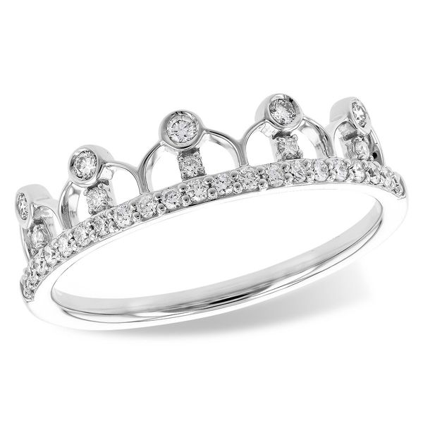 Beautiful diamond crown ring. Holliday Jewelry Klamath Falls, OR