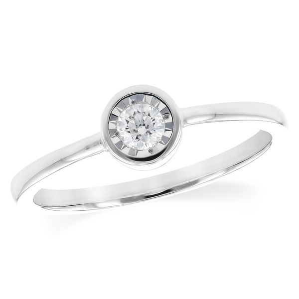 Solitaire diamond ring. Holliday Jewelry Klamath Falls, OR
